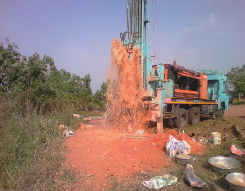 Drilling for water in Dagati